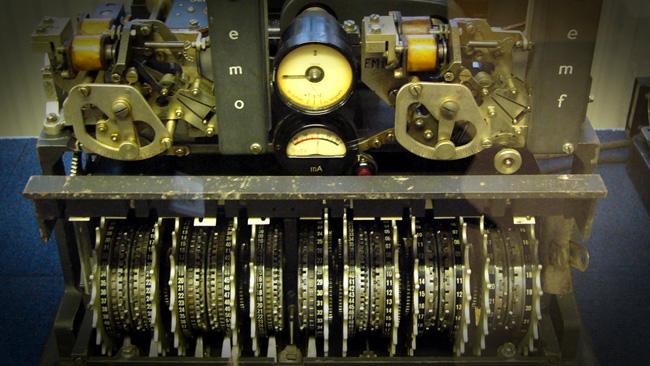 Med manuell kryptering gick det långsamt att surfa säkert på 1940-talet - Foto: Wikimedia Commons