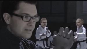 """Sekunderna innan Jimmie Åkesson pryglar upp """"sjuklövern"""". Foto: Youtube"""