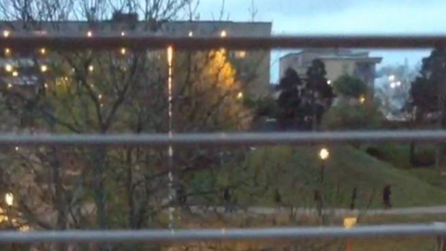 Här flyr de misstänkta gärningsmännen - Foto: Faksimil Flashback/Tinypic
