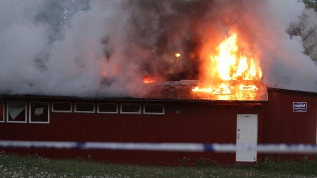Här brinner en skola i Rinkeby vid ett tidigare tillfälle. Arkivbild. Foto: Stefan Reinerdahl