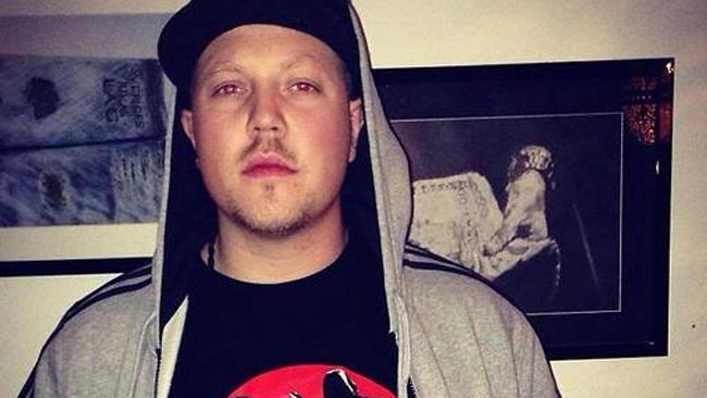 Sebastian Staxx har använt Revolutionära Fronten i en musikvideo.