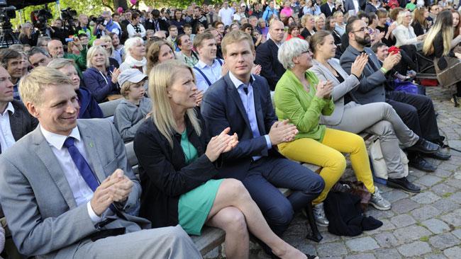 Här ser vi Gustav Fridolin med sällskap. Foto: Sven Pernils / Nyheter Idag