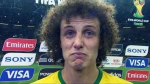 David Luiz är allt annat än glad.