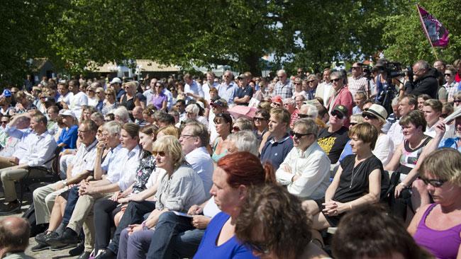 Trots att många lämnat almedalen var det gott om publik på Folkpartiets dag. Foto: Sven Pernils / Nyheter Idag