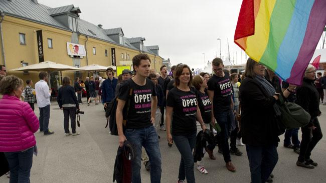 Det var människor från flera partier och organisationer som demonstrerade på Sverigedemokraternas dag. Foto: Nyheter Idag
