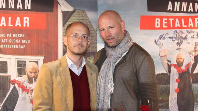 """Till vänster ser vi Per Gudmundson från SvD och till höger """"slöseriombudsmannen"""" Martin Borgs. Foto: Chang Frick / Nyheter Idag"""