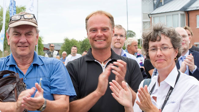 Här ser vi några glada Sverigedemokrater. Foto: Sven Pernils / Nyheter Idag