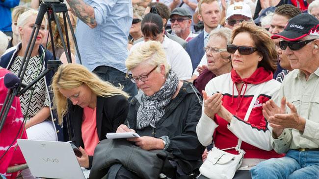 Aftonbladets Lena Mellin var också på plats. Foto: Sven Pernils / Nyheter Idag