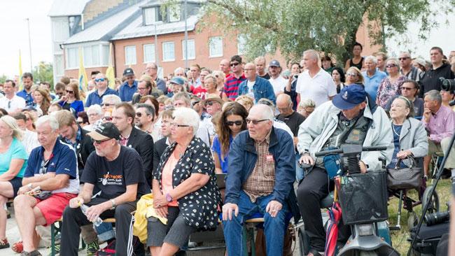 Det var en blandad publik i Sölvesborg. Foto: Sven Pernils / Nyheter Idag