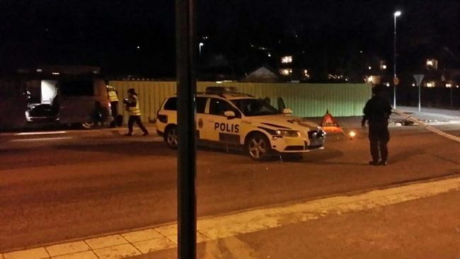 Polisen har spärrat av platsen. Foto: Thomas Gjutarenäfve
