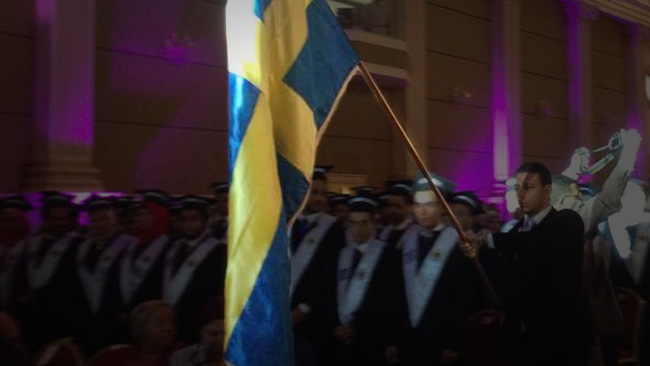 Svensk examen, utländskt arbete. Foto: Pharos University