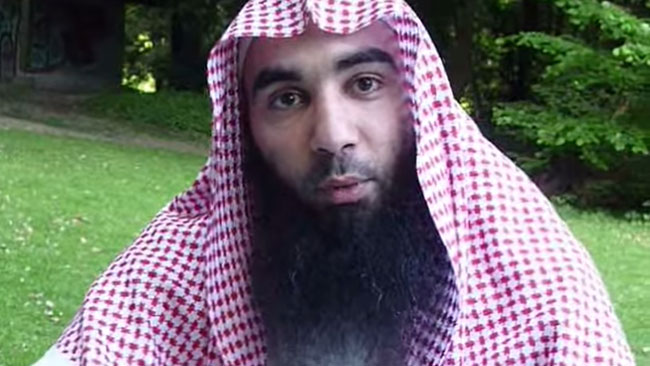 Den dömde terrorledaren Fouad Belkacem. Foto: Faksimil Youtube