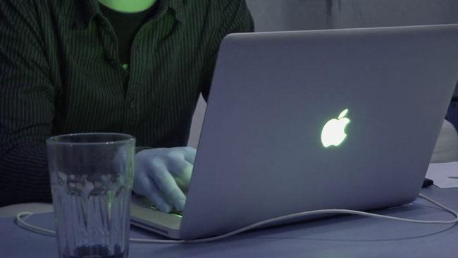 Det finns hemska sajter på internet. Foto: Chang Frick
