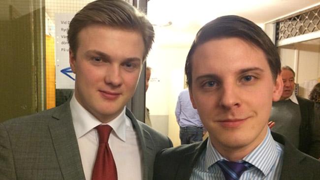 Victor Carlsson och Jonathan Othén på plats i Alvik. Foto: Sven Pernils