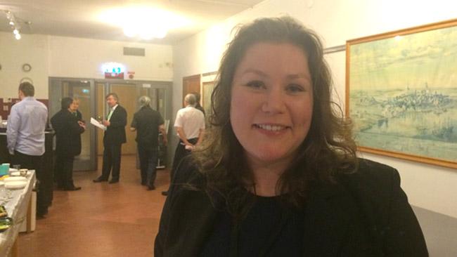 Maria Danielsson inifrån årsmötet i Alvik. Foto: Sven Pernils