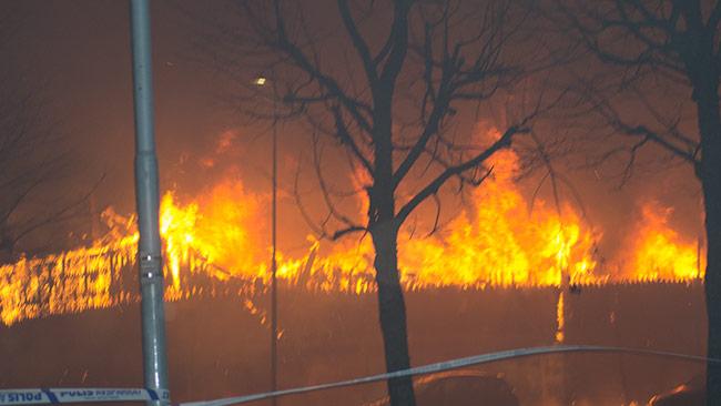 Det var en mycket omfattande brand som rasade när Nyheter Idag anlände. Foto: Chang Frick / Nyheter Idag