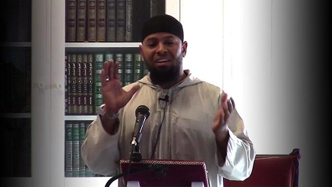 Abu Muadh bemöter Uppdrag Granskning i förväg. Foto: Faksimil Youtube