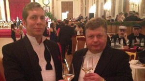 Daniel Friberg (t.v) och hans vän Patrik Brinkmann von Druffel-Egloffstein (t.h) på Akademikerbalen i Wien 2014. Foto: Privat
