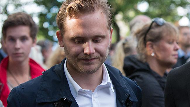 Vinge är sammanbiten och vill inte kommentera när Nyheter Idag ringer upp. Foto: Chang Frick / Nyheter Idag