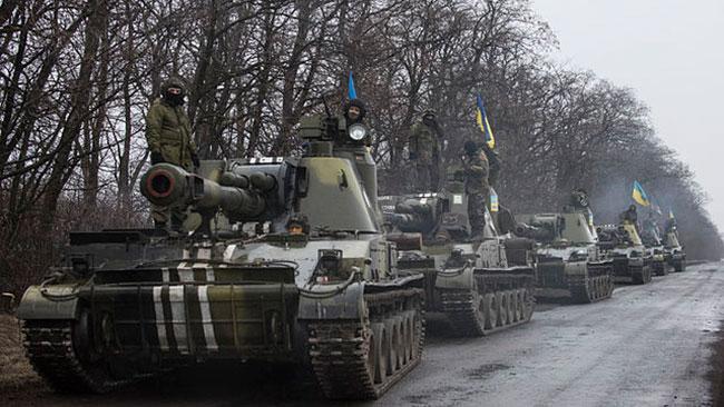 Det sovjetiska artillerisystemet Akatsiya drar sig tillbaka från Donbass. Foto: Wikipedia
