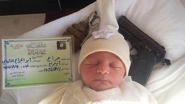 Nyfödd i Daeshland. Foto: Faksimil Twitter