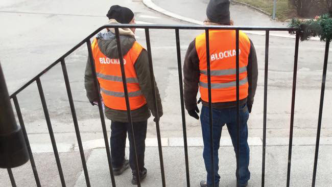 Här står livsmedelsarbetareförbundet i blockad mot Ingeborgs Bageri. Foto: Privat