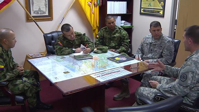 Colombianska och amerikanska militärer under ett möte i Fort Hood. Foto: Faksimil Youtube