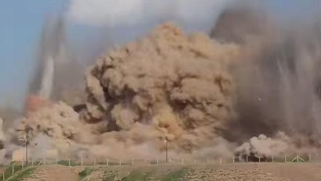Daesh plundrar och förstör i Irak. Foto: Faksimil Youtube