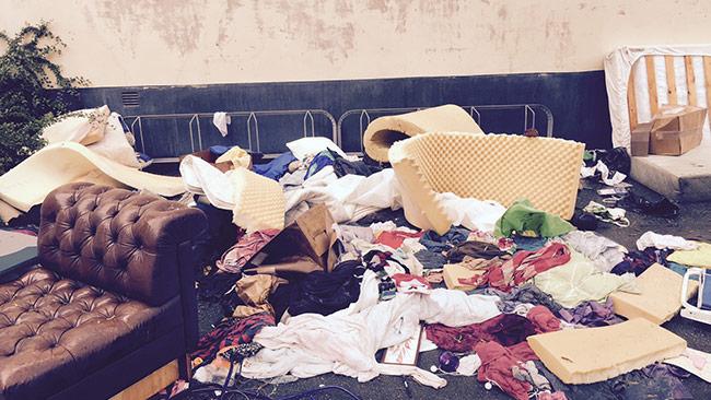 """Vänsternätverket """"Högdalens vänner"""" ser inte ut att vilja hålla rent i Högdalen. Foto: Bitte Assarmo / Nyheter Idag"""