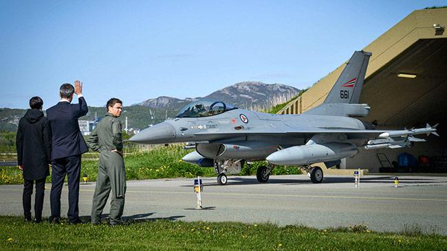 Natos generalsekreterare Jens Stoltenberg på Bodö flygbas i Norge. Foto: nato.int