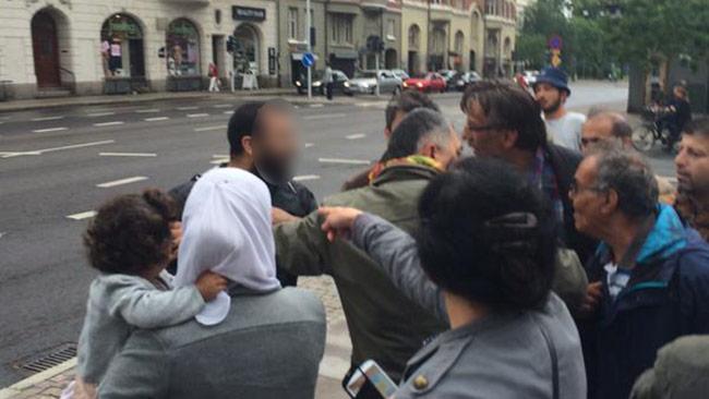 Det blev en hätsk diskussion på platsen med mannen som de uppfattade som ISIS-anhängare. Foto: Privat