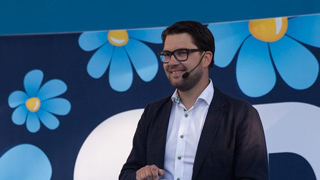 Det verkar finnas all anledning för Jimmie Åkesson att vara glad. Foto: Chang Frick / Nyheter Idag