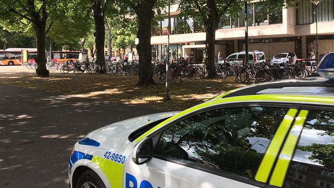 Tre personer knivskadades i centrala Norrköping. Foto: Läsarbild