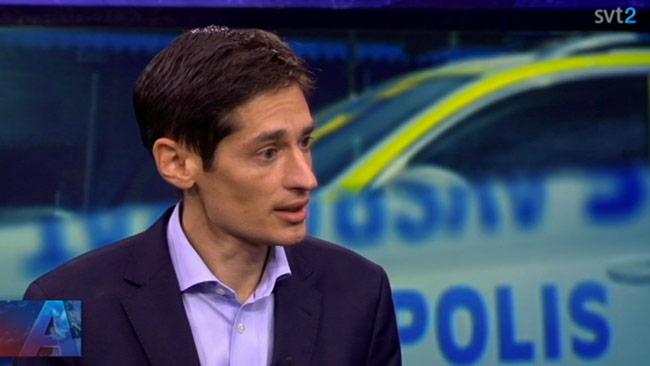 Peter Wolodarski debatterade med Per Gudmundson i Aktuellt. Foto: Faksimil svtplay.se