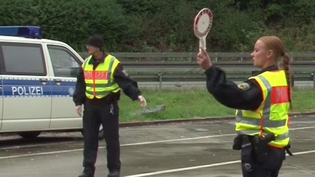 Här har Tyskland återinfört gränskontroller mot Österrike. Foto: Faksimil Youtube / Ruptly.tv