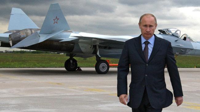 Vladimir Putin kliver in i Syrien där ingen annan lyckats få stopp på ISIS. Foto: Alexei Druzhinin / Ria Novosti