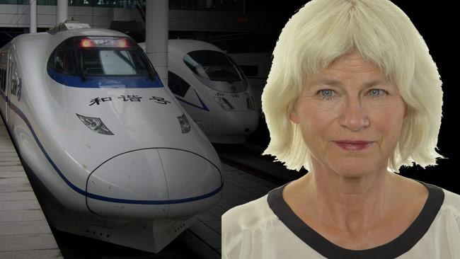 Nu framförs krav på att Svensson-Smith (t.h) ska avgå från trafikutskottet. Foto: Wikimedia Commons / riksdagen.se