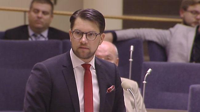 Jimmie Åkesson vill fälla de rödgröna partierna. Det vill inte Alliansen. Foto: riksdagen.se