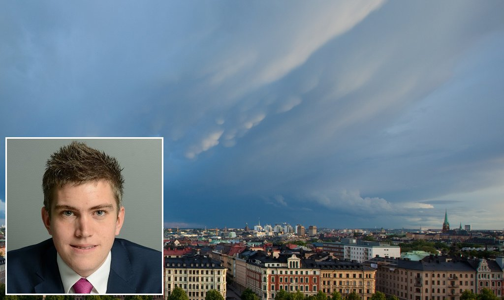 Mörka moln. James Pomeroy varnar för ekonomisk kris i Sverige. Foto: Fredrik Lindström/HSBC