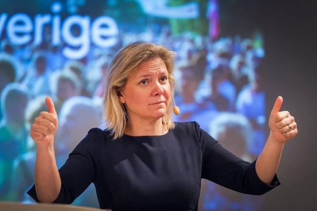 Andersson vill att svenskarna flyger mindre –tog själv flyget till Almedalen