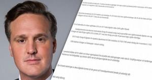 Max Elger och ett av hans läckta mail. Foto: Regeringskansliet