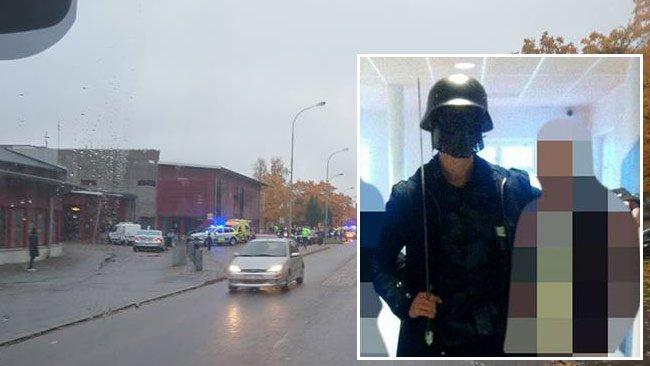Den 21-årige gärningsmannen lät sig fotograferas med elever på skolan innan han högg ned två lärare och två elever. Foto: Twitter