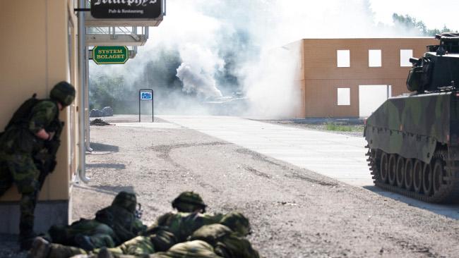 Försvarsmakten övar regelbundet inför framtida eventuella gatustrider i Sverige. Foto: Alexander Gustavsson/PAS/Försvarsmakten