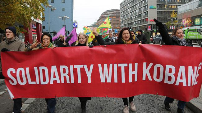 Det ser ut som Ung Vänsters ordförande i mitten. Foto: Sherko Jahani / Nyheter Idag