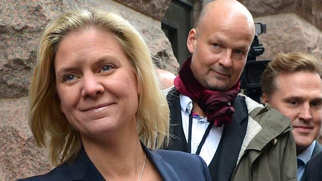 Finansminister Magdalena Andersson (t.v). Foto: Frankie Fouganthin / Wikimedia Commons