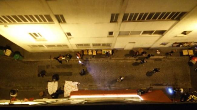 Döda och skadade på gata i Paris. Foto: Twitter