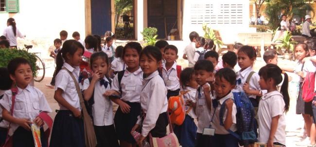Kambodjanska skolbarn. Foto: Sida