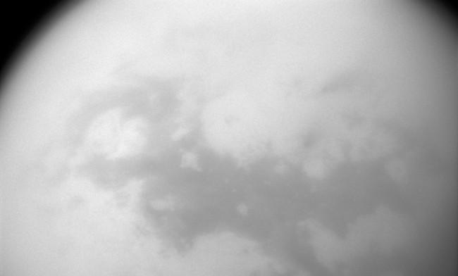 Titans yta. Foto: Nasa