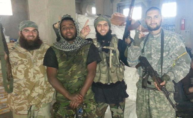 Svenskar? Bild ur polisens förundersökningsprotokoll i målet mot de två terrorister från Göteborg som nyligen dömdes till livstids fängelse för terrorbrott.