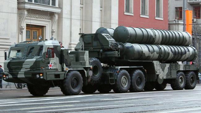 Luftvärnssystemet S-400 tillverkas av ryska Almaz-Antei, på plats 11 över världens största vapenföretag. Foto: Wikimedia Commons